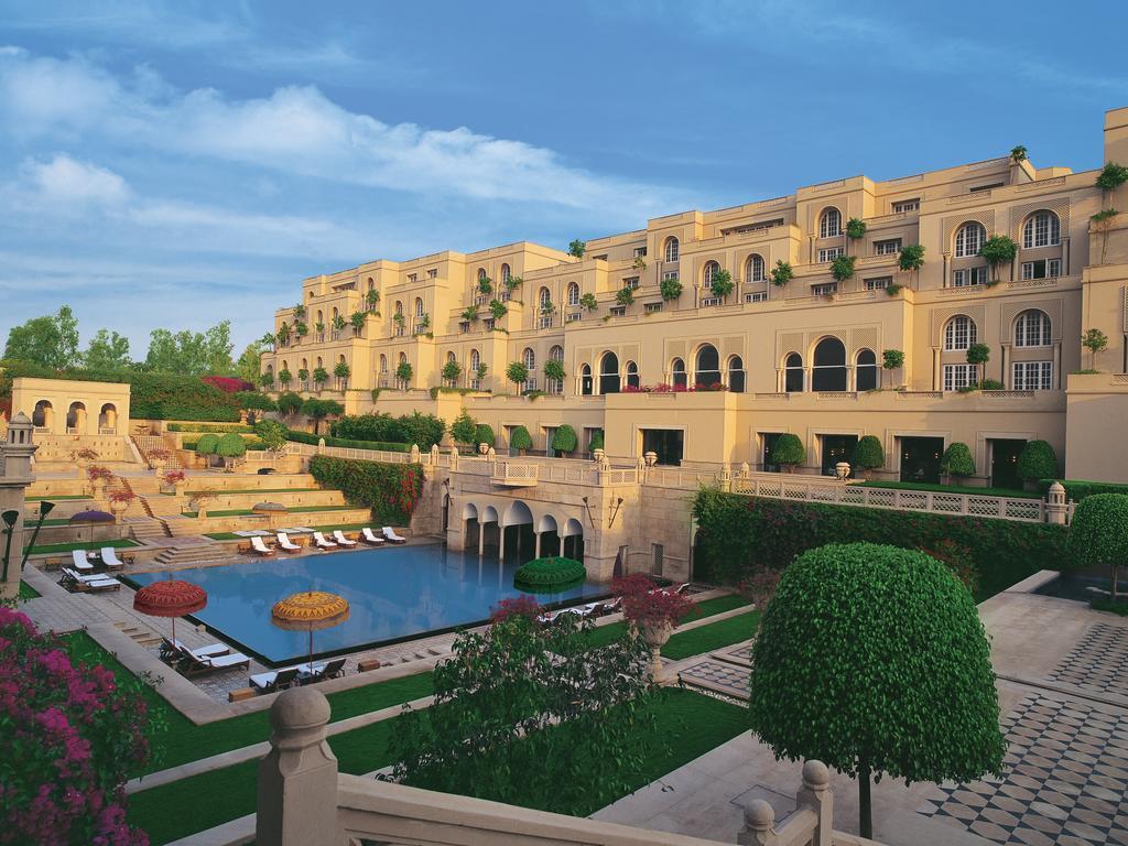 Best Hotel Near Taj Mahal